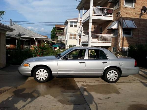 2008 P71 Ford Crown Victoria Police interceptor. (Niles) $3800