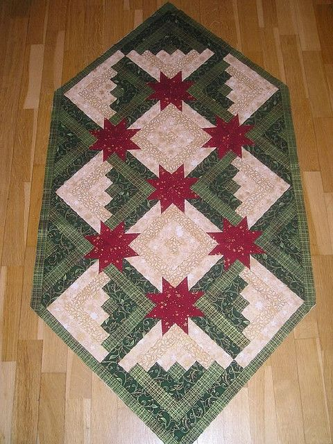 Log Cabin Table Runner (posted to Flickr by Manuela)