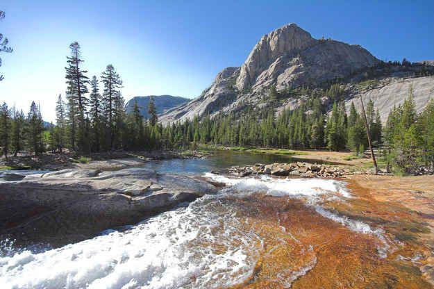 La Glen Aulin Trail du Parc National de Yosemite, Californie