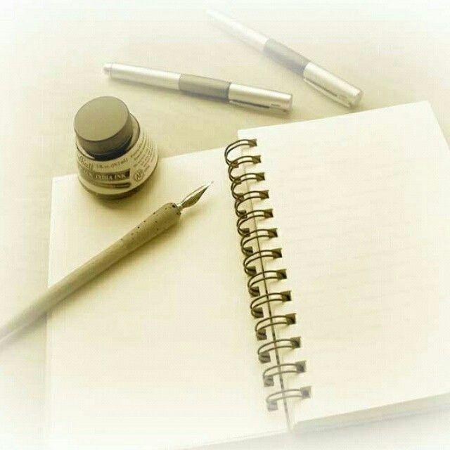 """Devo """"preparare"""" un mio ruolo teatrale...per cui avanti tutta con una scheda con domande a cui rispondo come se fossi il personaggio! :)  #smile #writenwords #art"""