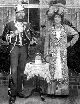 Pearlies, 1906 #London #Pearly #Kings #queens