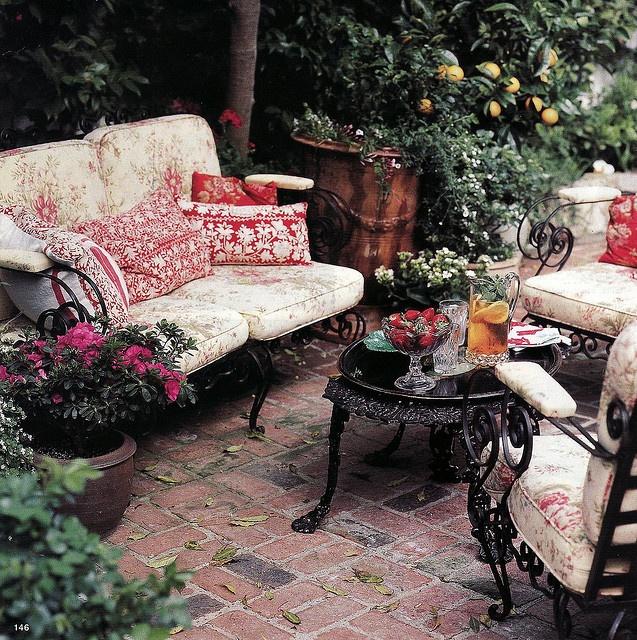 Private Small Garden Design: Best 25+ Private Garden Ideas On Pinterest