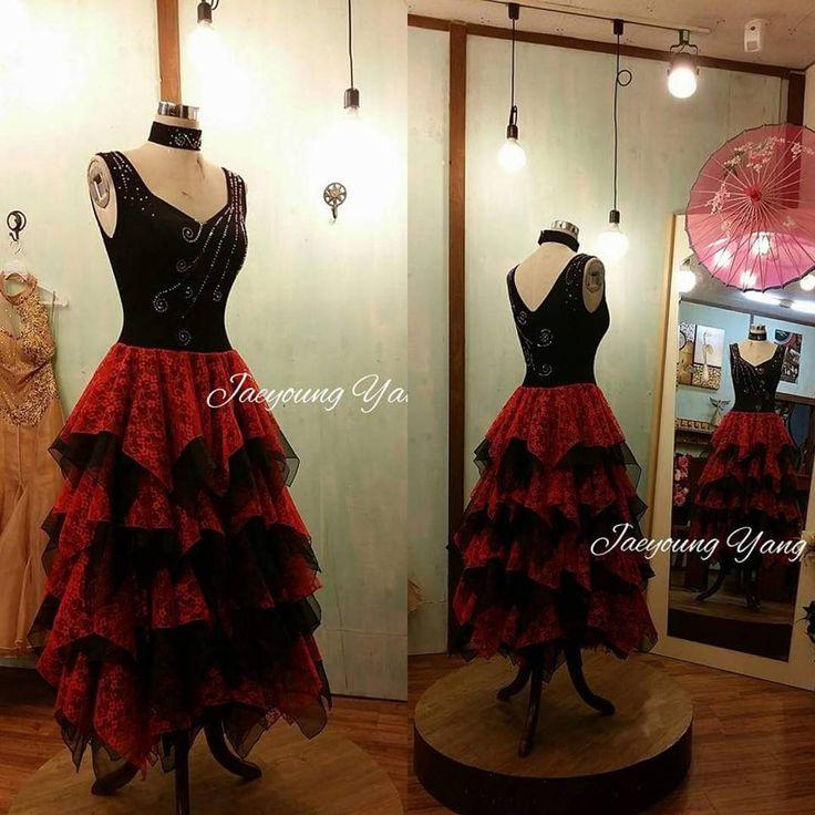 """좋아요 6개, 댓글 1개 - Instagram의 Jaeyoung Yang(@yang.jaeyoung)님: """"YEDO Costume Design. 댄스.파티 드레스. #무대의상디자인 #무대의상 #공연의상 #무용의상 #드레스 #디자인및맞춤제작 #디자이너브랜드 #이브닝드레스…"""""""