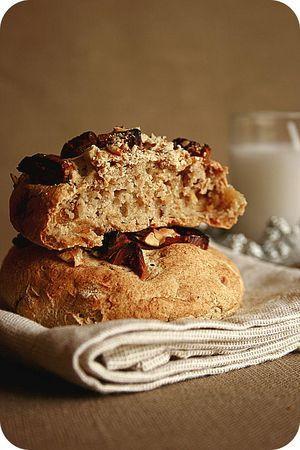 Petits pains de Noël, Figues et noisettes à la farine de chataîgne sans gluten