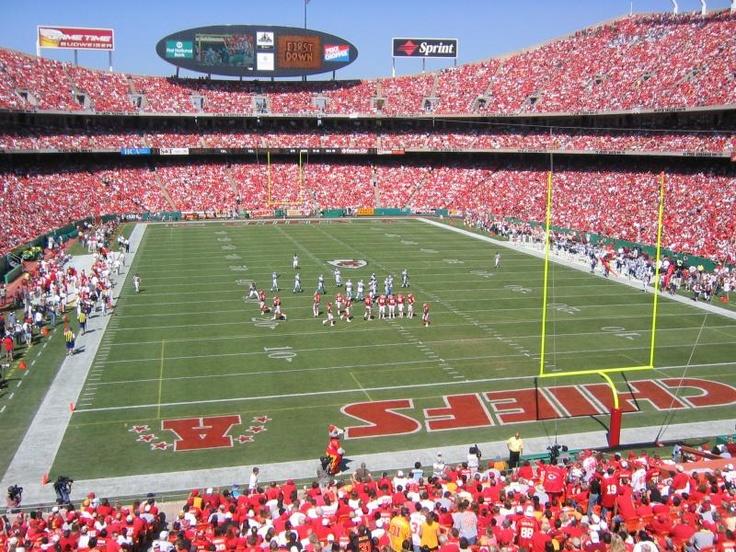 Football Kansas City Chiefs Arrowhead Stadium season ticket holder! Missouri