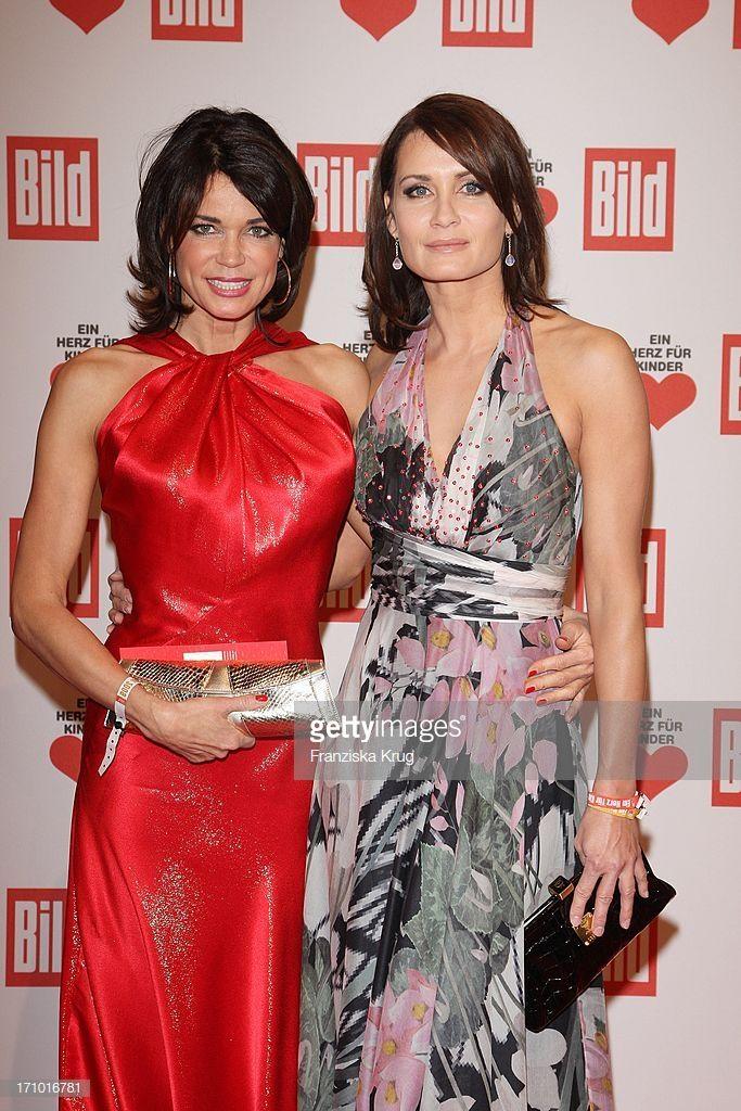News Photo Schauspielerin Gerit Kling Und Ihre Schwester Celebs Dresses Fashion