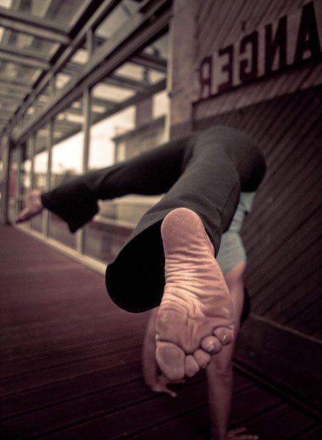 .Acroyoga Ashtanga, Hotyoga Meditation, Yoga Yogi, Acroyoga Meditation, Quote, Bikram Hotyoga, Yogapose Acroyoga, Yogainspiration Antigravity, Antigravity Acroyoga