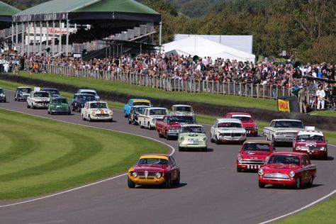 #Alfa_Romeo, #Lotus #Cortina, #BMW, #Ford à #Goodwood #Revival Article original : http://newsdanciennes.com/2015/09/18/retour-a-goodwood-revival-2015-partie-2/ #Classic_cars #Cars #Vintage #Racecars