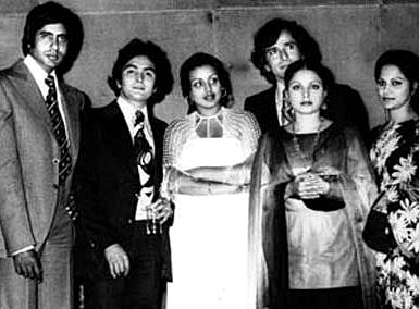Amitabh Bachchan, Rishi Kapoor, Neetu Singh, Shashi Kapoor, Rakhee, Waheeda Rehman.