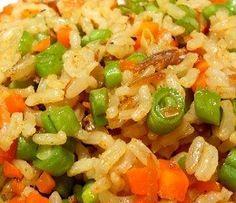Arroz Integral com Cenoura e Vagem - Arroz refogado com cebola; acrescido de cenoura e vagem; temperado com caril e cozido no caldo de legumes...