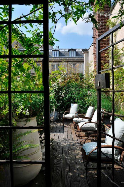 We've hunted down a few beautiful city outdoor spaces, so whether you live in New York or not, and whether you have an outdoor space or not, you can experience this feeling, too.