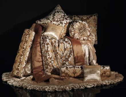 Bedspread and cushions with Swarovski