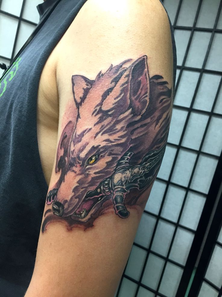 Sif the Great Grey Wolf from Dark Souls by Hori Benny @ Invasion Club in Osaka Japan