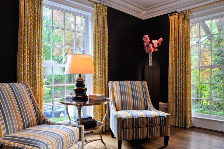 """♥♥♥ Шторы в интерьере - фото целостного дизайна гостиной и других комнат. Все варианты, включая римские; сочетание штор и их подбор к обоям. Рисунок """"в цветок"""" или узоры?"""
