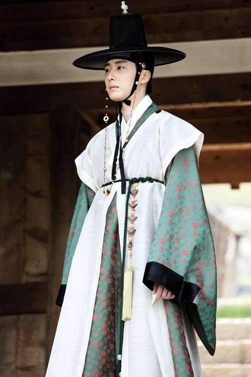 한복 Hanbok : Korean traditional clothes[dress] | Jung Il Woo - The Night Watchma