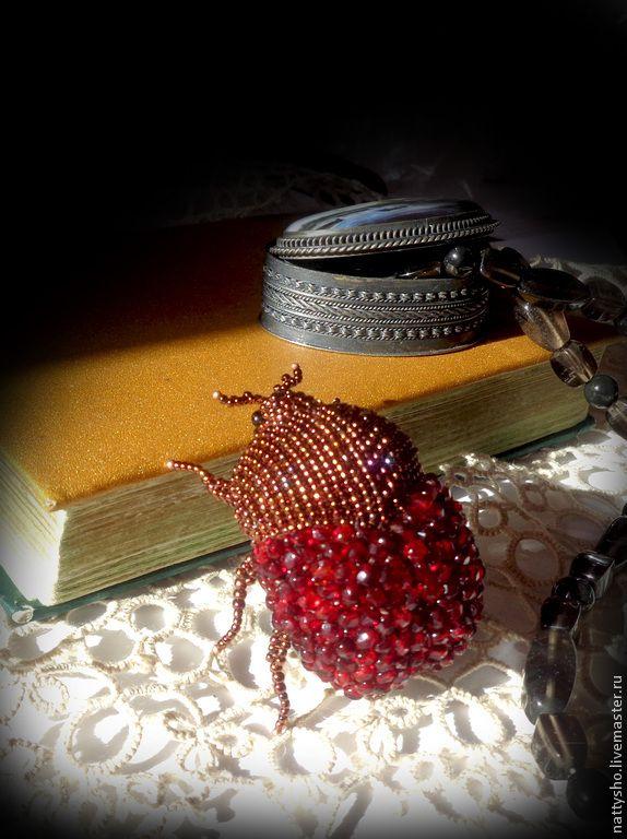 Купить Гранатовый жук - бордовый, брошь, брошь ручной работы, жук, жуки, гранатовый