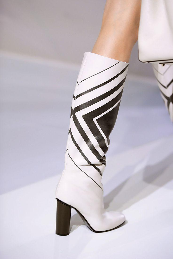 77 лучших пар обуви Недели моды в Лондоне | Мода | Выбор VOGUE | VOGUE