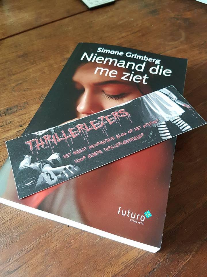"""Mooie recensie 'Niemand die me ziet' van Simone Grimberg door Thrillerlezersblog: """"Het verhaal begint met een proloog wat gelijk vragen oproept bij de lezer. Simone heeft een heftig onderwerp gekozen voor haar boek, namelijk 'loverboys'. De rillingen lopen over mijn rug wanneer ik me realiseer dat het ook in onze echte leven dagelijks voorkomt."""" #niemanddiemeziet #simonegrimberg #thriller #thrillerlezersblog #futurouitgevers"""
