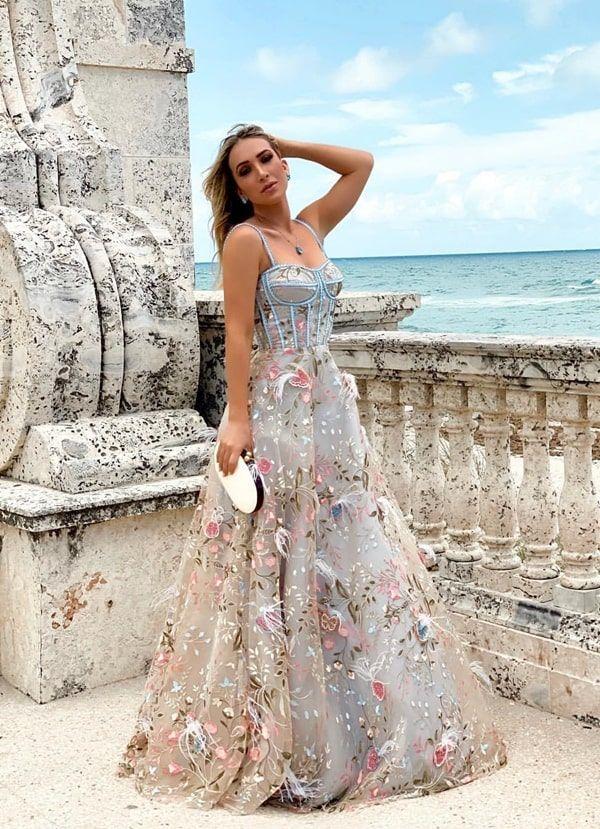 Vestido corpete: os longos mais bonitos da temporada! | Vestido estilo princesa, Estilo princesa, Vestidos