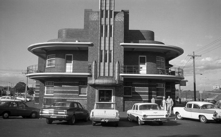 Clifton Hill October 1977.