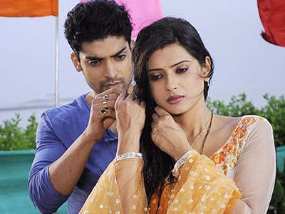 Yash and Aarti to dance on a Raj Kapoor number in Punar Vivah!