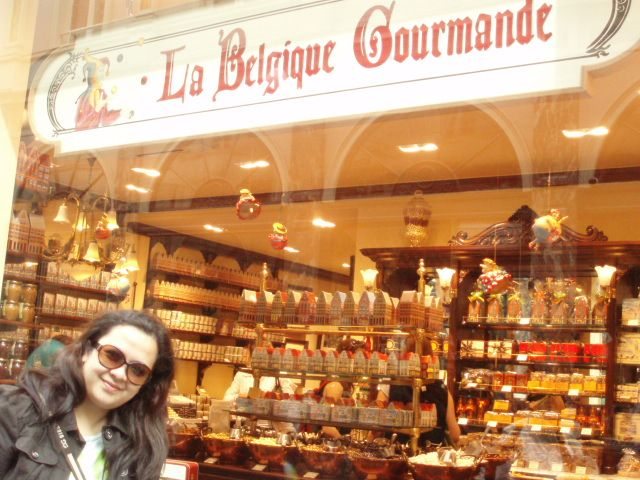 Butik coklat tercantik yang pernah saya kunjungi..Belgia konon terkenal dengan coklatnya yang lezat.