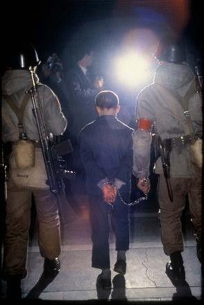 1980'ler <br />12 Eylül Darbesi sonrası<br /><br />12 yaşında Ahmet isimli bir çocuk.