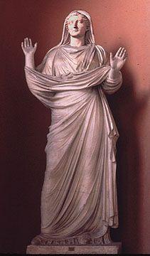 Roman lady wearing a stolla and palla