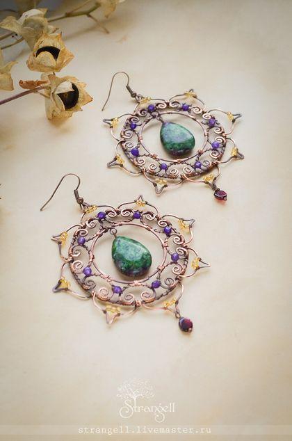 Большие восточные серьги, медь, цоизит, аметист, гранат, бисер. Oriental earrings, copper, zoisite, amethyst, garnet beads.