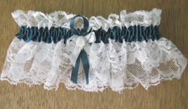 How to Make a Wedding Garter Instructions and Photos  @Christi Van Matre    Here is a pattern for you Desi
