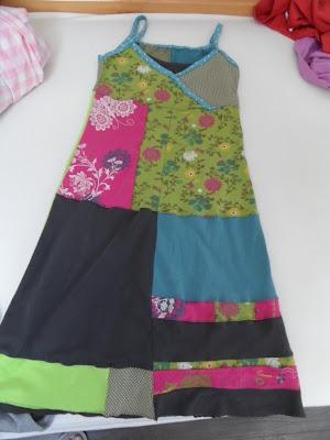 Zaanse Zolder: RecyKleren - shirts worden....jurk