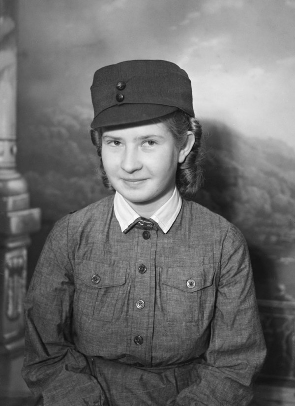 Picture of a young lotta is 1924 born Ellen Marita Mikkola, called Marita. Last name later changed to Säiläksi