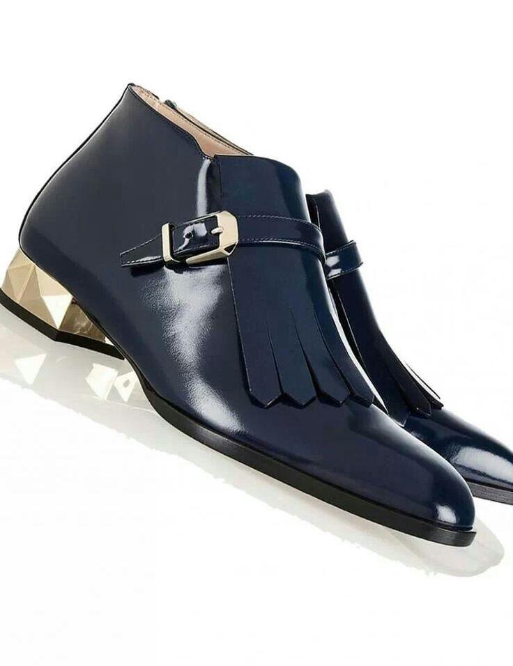 Guvon loves this elegant gents shoe! Cl