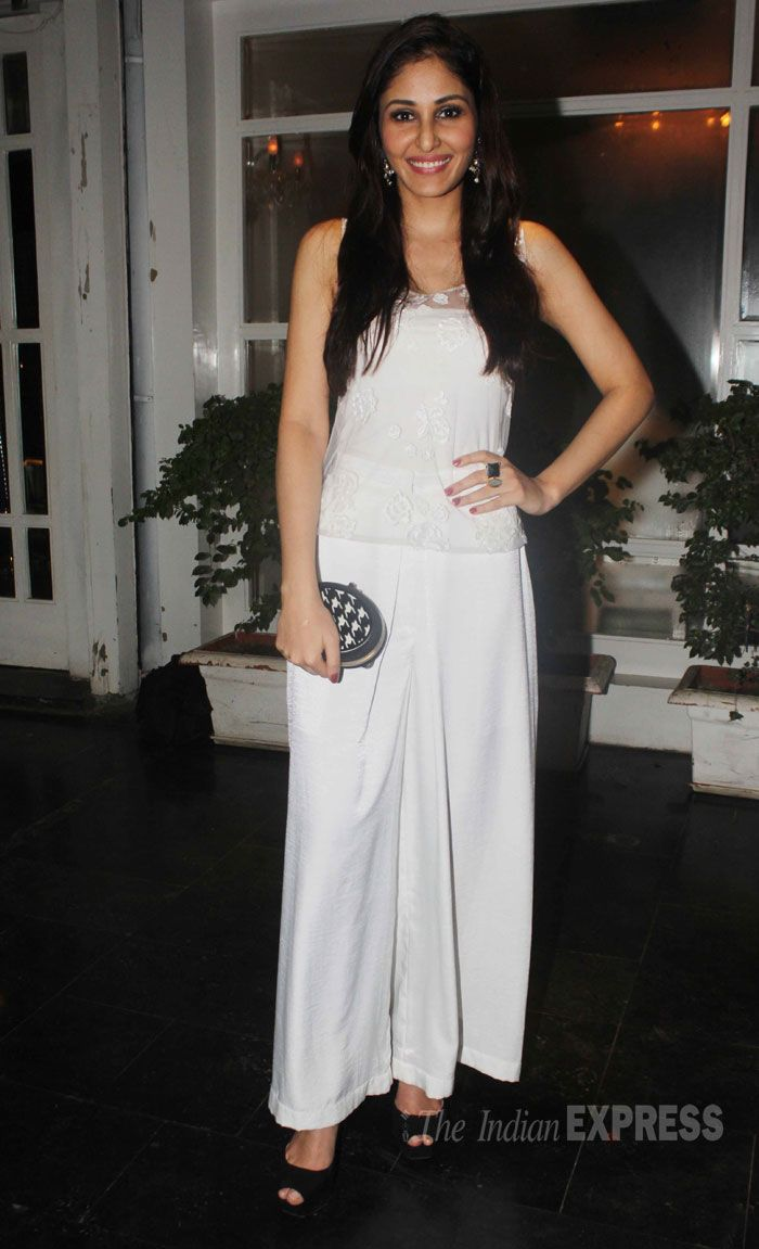 Pooja Chopra made an appearance in all white at Amit Sadh's Birthday party. #Style #Bollywood #Fashion #Beauty