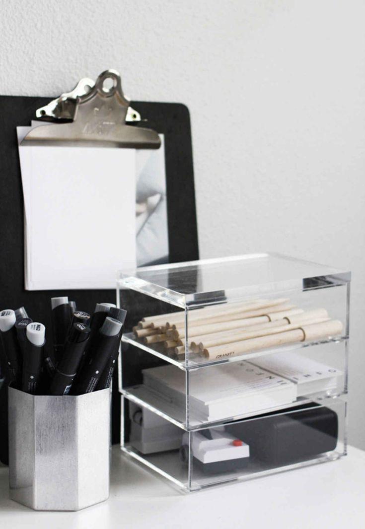 best 25 work desk organization ideas on pinterest work desk decor work office organization. Black Bedroom Furniture Sets. Home Design Ideas