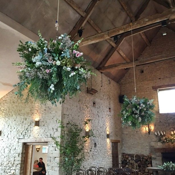 Cotswolds wedding florist shows recent wedding flowers at Cripps Barn