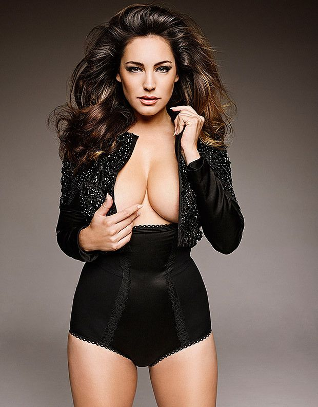 Kelly Brook  e030a07b0