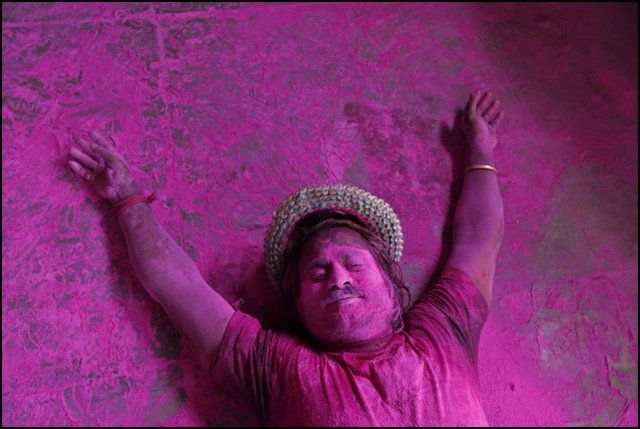 CRAZY HOLI CELEBRATIONS IN GOA WITH VIDEO!