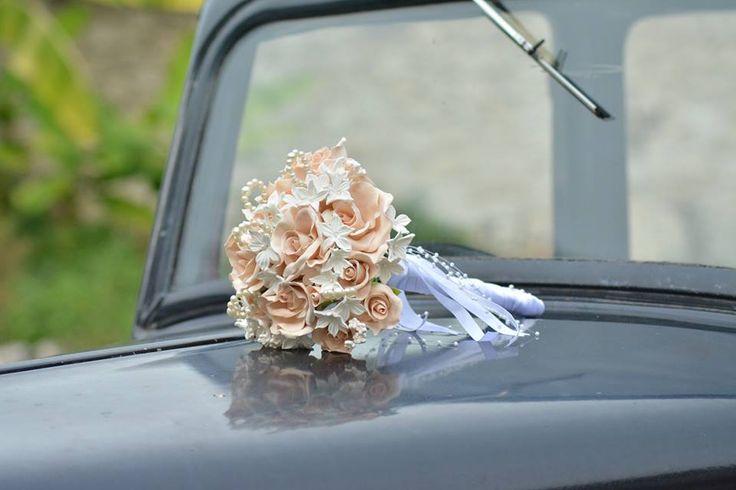 Bouquet porcelaine froide et perles