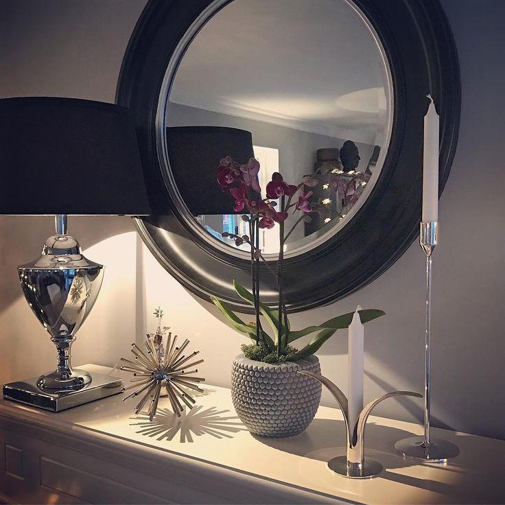 """416 Likes, 14 Comments - Jannice Wistrand (@addsimplicity) on Instagram: """"På bloggen ☝🏼️ tacksamhet och vad som VERKLIGEN är viktigt i jul. #vardagsrum #livingroom #jul…"""""""