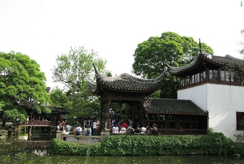 It was initially a private garden built by Shi Zhengzhi, a vice minister in the Southern Song Dynasty, when he settled down in Suzhou after retirement.