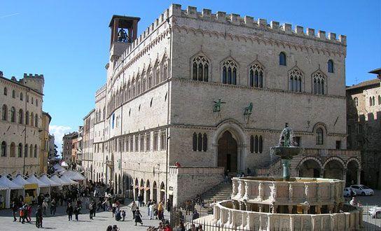 Was die Region Umbrien für einen Urlaub in Italien anzubieten hat. Reiseziele, Sehenswertes, Highlights, Naturschutzgebiete, Badeseen und regionale Küche. http://www.italien-inseln.de/italia/umbrien-umbria/urlaub.html
