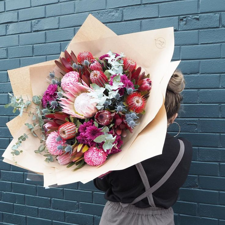Extra Large bouquets now available in all colour tones online! Now you can really spoil someone with one of these big boys! #eastendflowermarket