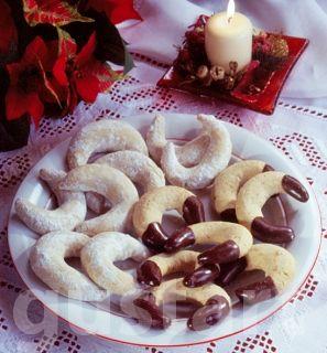 Receptek Lajos Mari konyhájából - Mandulás-vaníliás kifli – klasszikus recept