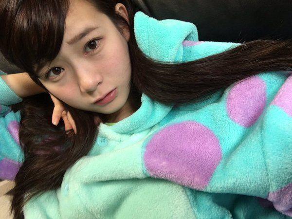 モンスターズインクのサリーの着ぐるみパジャマを着る金子理江