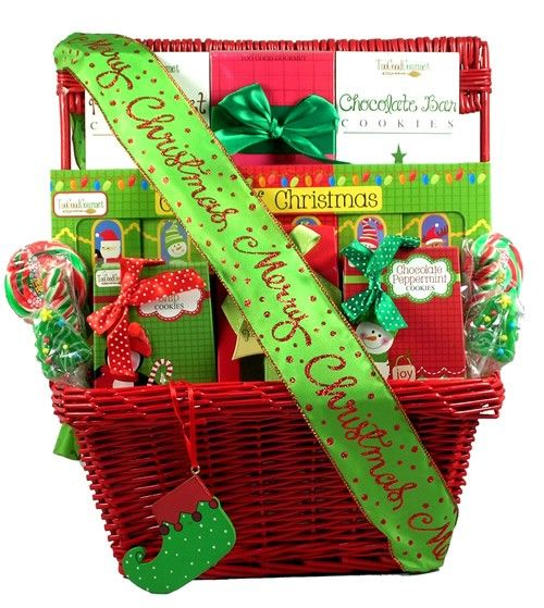47 best christmas gift baskets images on pinterest for Christmas gift basket ideas for families