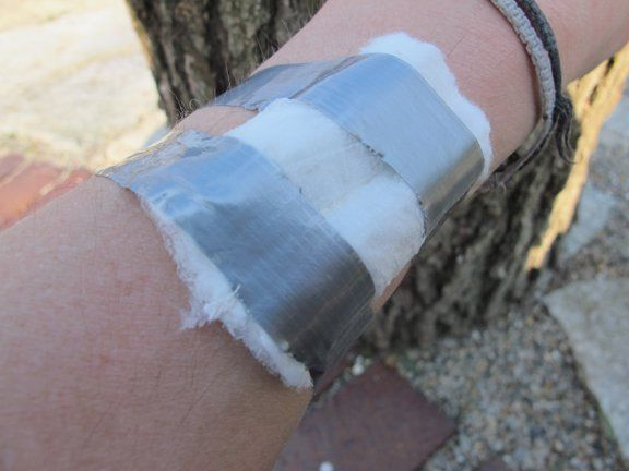 10 Survival Uses of a Tampon #survival #firstaid