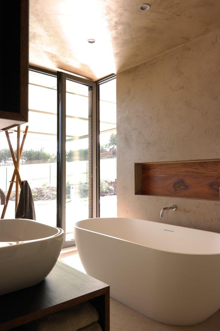 Loreta Homes Pysely bungalow Sydney interior bathroom Free architects 2015