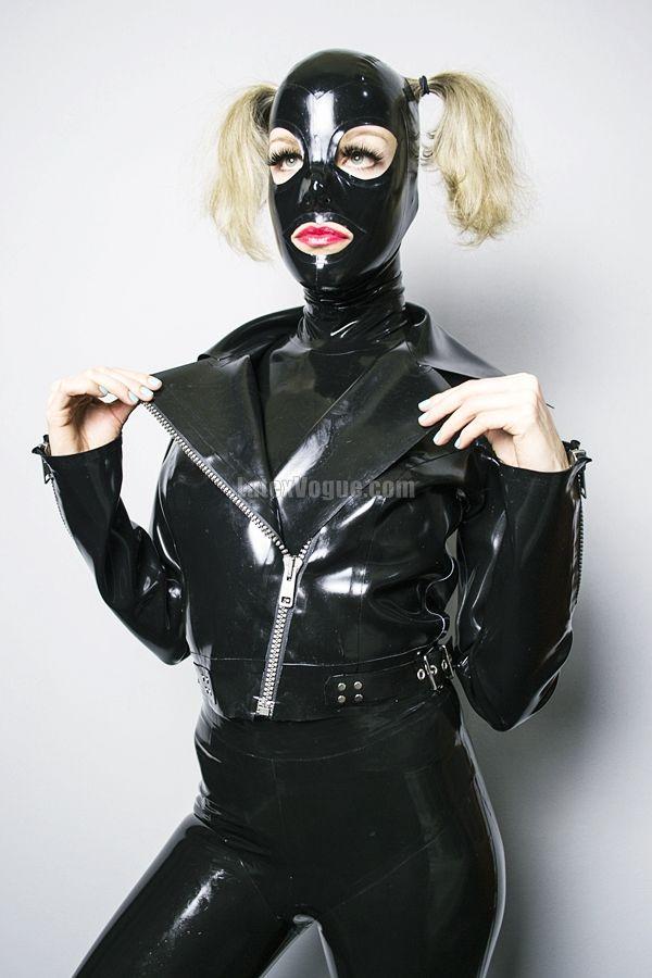 New shiny gallery with black latex biker jacket at www.latexvogue.com Go check out 🤤  #latexjacket #latexvogue #blacklatex #bikerjacket #designer #fetishfashion #latexleggings