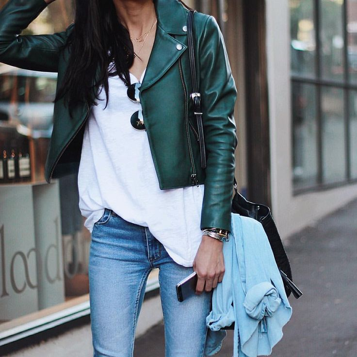 Such a great outfit of Pepa Mack  Blues jeans, white shirt and green leather jacket make good job